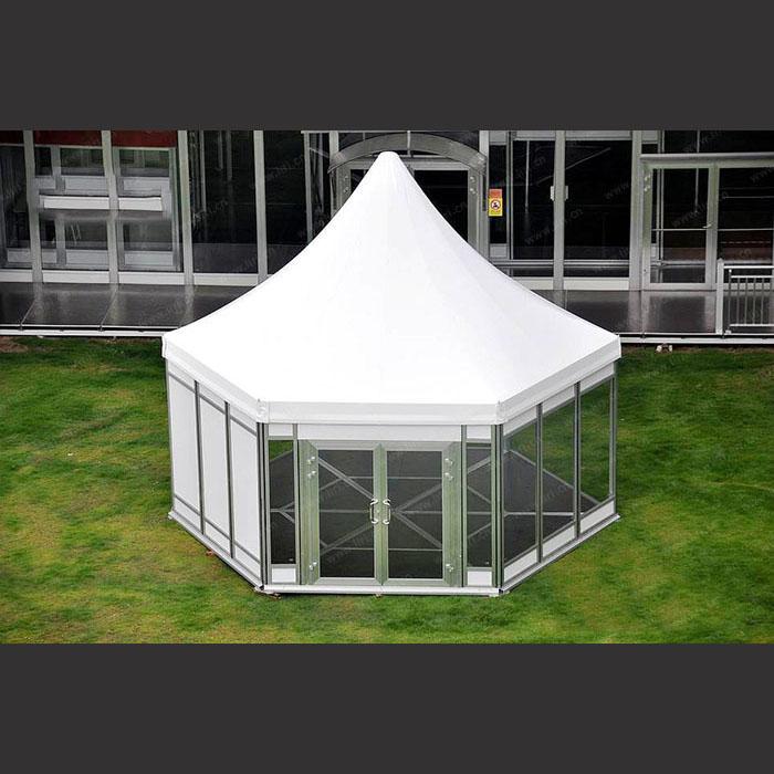 而利用这种骨架结构和新型膜材相结合,搭建篷房的模式称之为篷房结构.