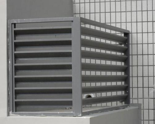 如:高速公路护栏,高压电塔都是采用高温热浸锌材料