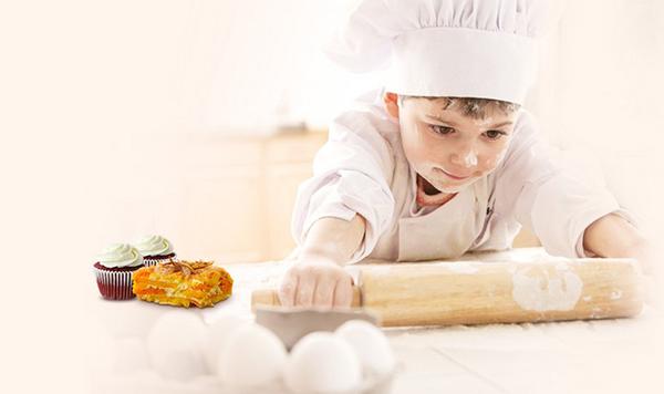 遇柯diy烘焙乐园是以儿童为主消费群,涵盖家庭消费,以独具特色的寓教
