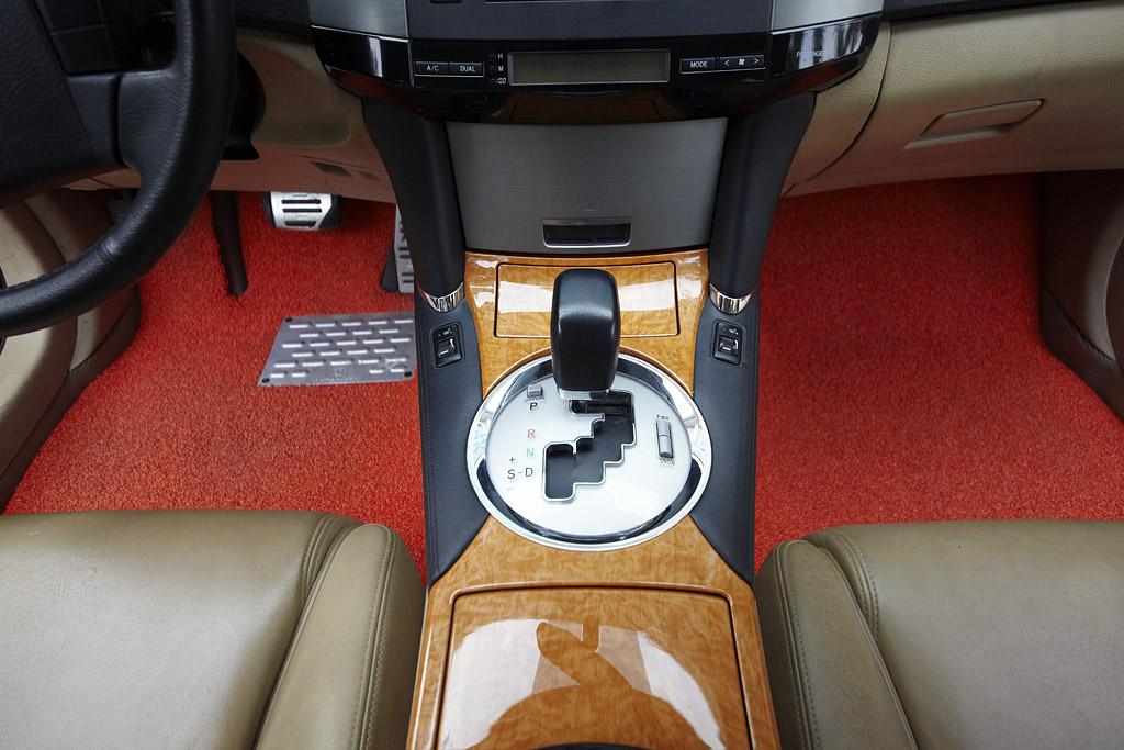 汽车脚垫为什么要选择专车专用脚垫 广州传奇汽车脚垫厂家