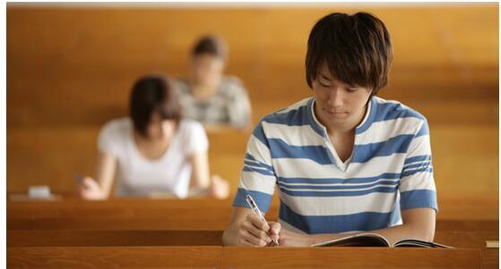 2017年昆明市成人高考毕业考生申请学位条件