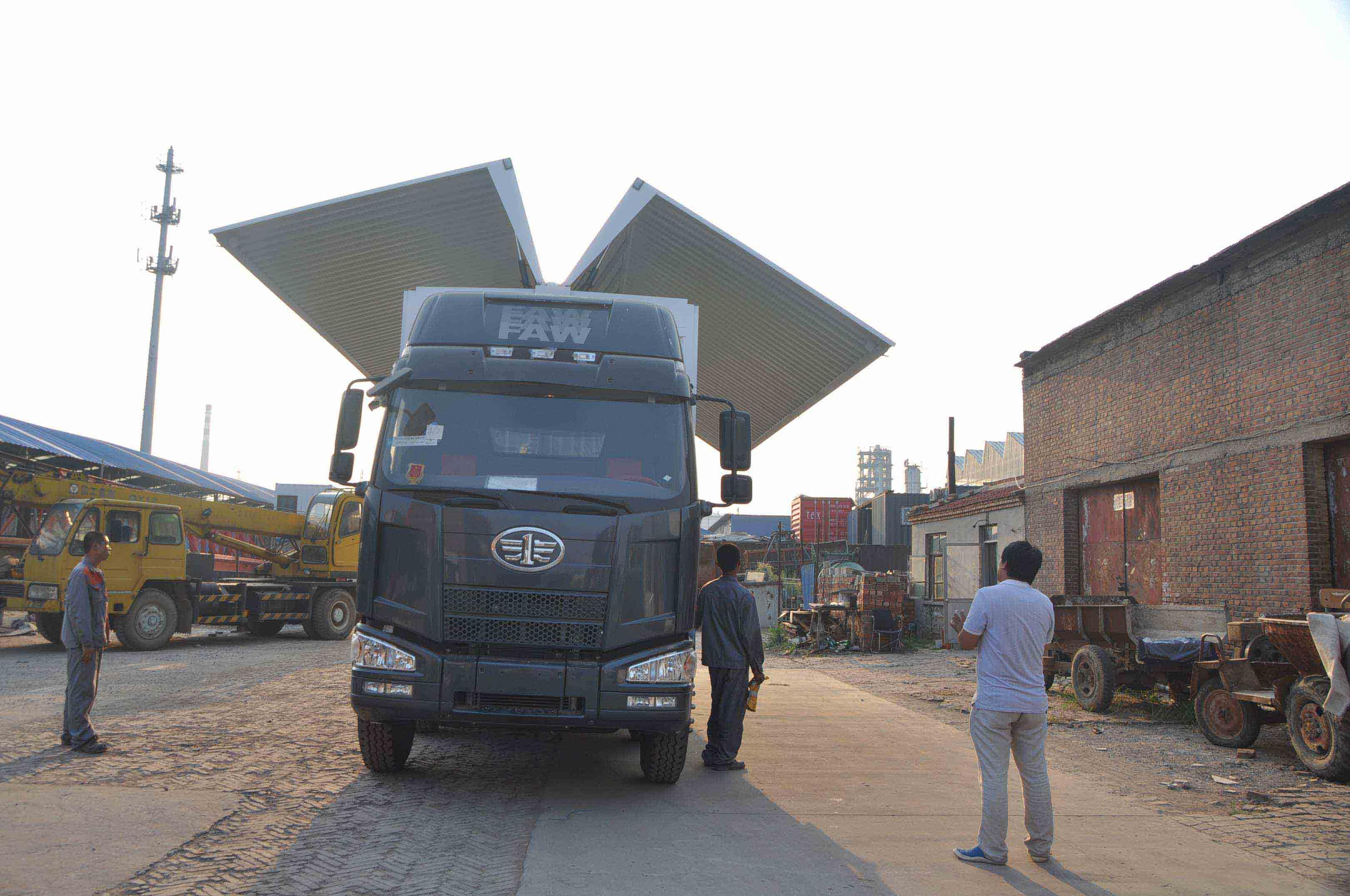 山东两侧双展翼箱报价低的公司,我们认准飞翼生产厂