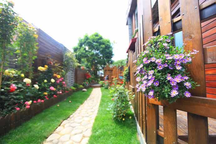 镇江句容别墅小庭院铺装设计怎么铺好