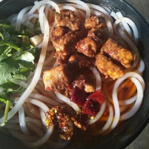扬州市正宗的红烧香菇米线加盟大概要v香菇肥肠豆腐酿图片