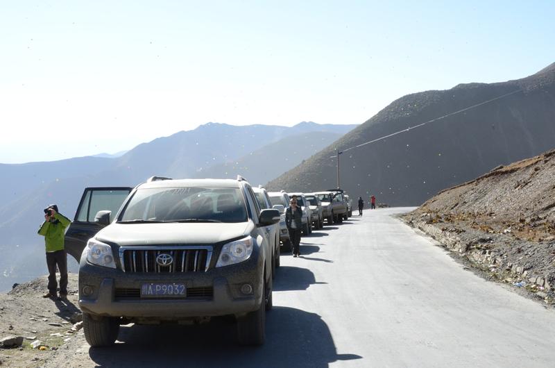 成都租丰田普拉多去西藏多少钱,成都租车自驾
