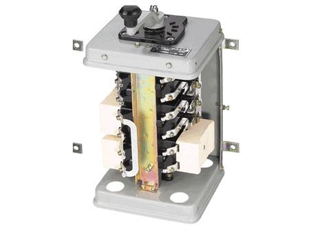 此控制器具有可逆对称的电路,适用于起重机的平移机构和升降机构,也能
