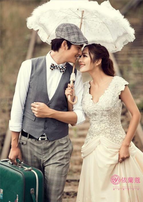 那就来德州依兰蔻婚纱摄影影楼,专业韩式摄影和化妆造型让你更