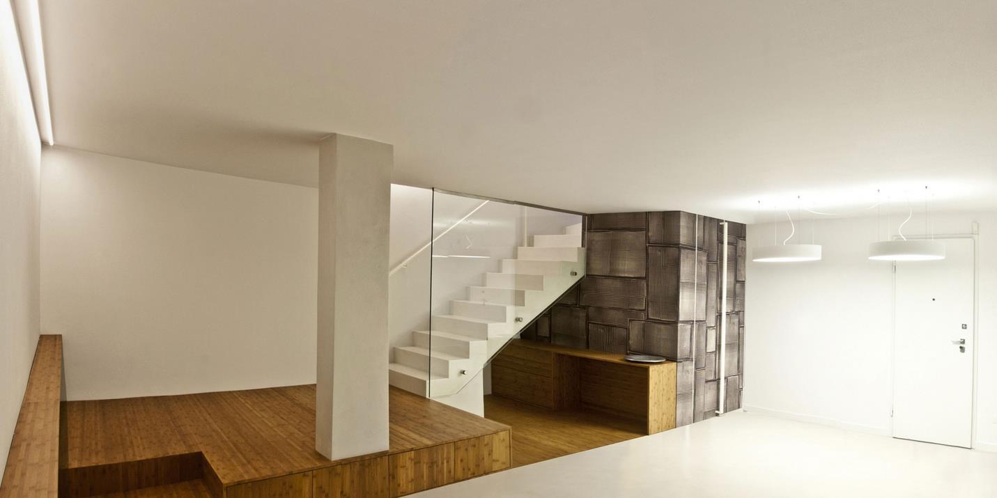 现浇楼梯,挖建地下室,门面加层