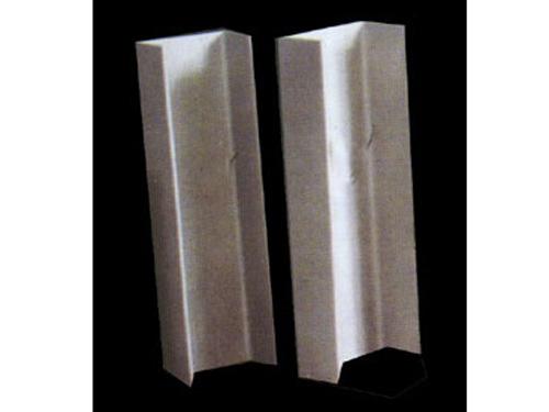 槽钢/槽钢是截面为凹槽形的长条钢材。
