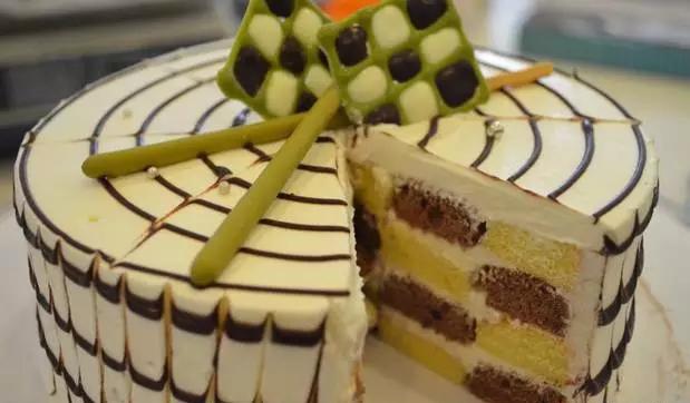 超酷炫棋格蛋糕 自己做蛋糕连锁加盟 北京加盟哪里好