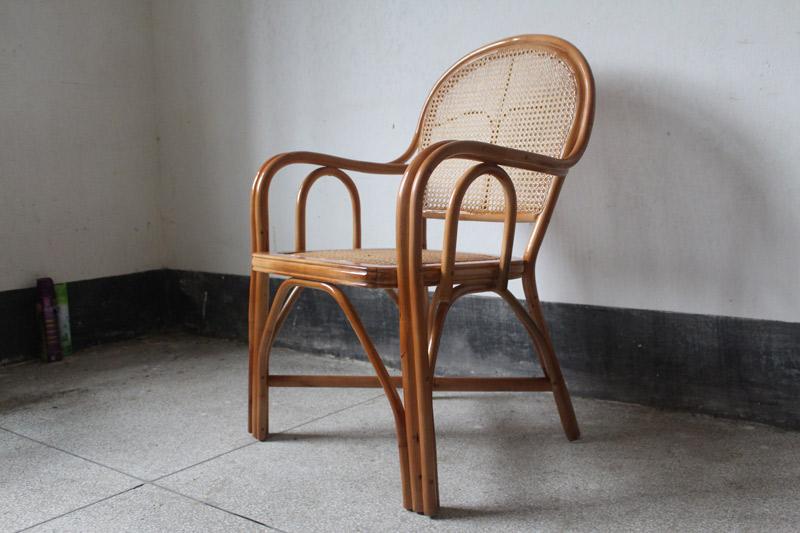 藤木 海口/在埃及的家具中,折叠椅被列为其中最重要的家具之一。...