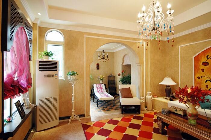 欧式风格的客厅地板大多采用石材铺设,这样会突显大气效果,而餐厅和