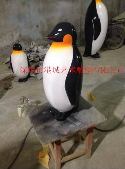 海洋动物雕塑 经典卡通马达加斯加的玻璃钢企鹅