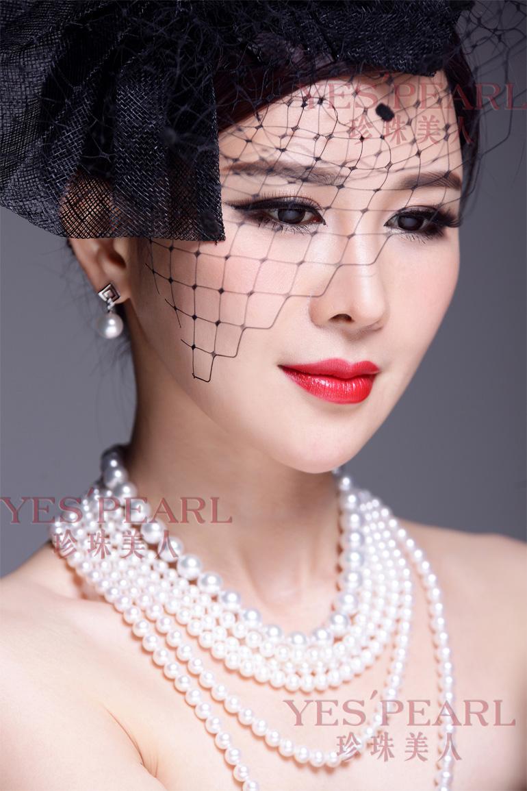 珍珠项链搭配衣服图片