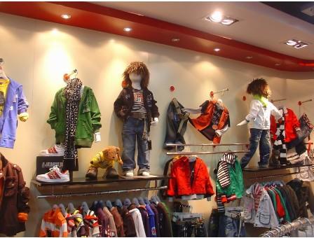 一个12平米童装店装修需要那些材料?需要多少钱?以及效果图!