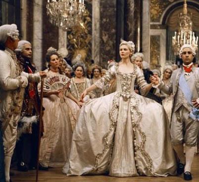 西欧王族女性礼服礼服铅笔手绘