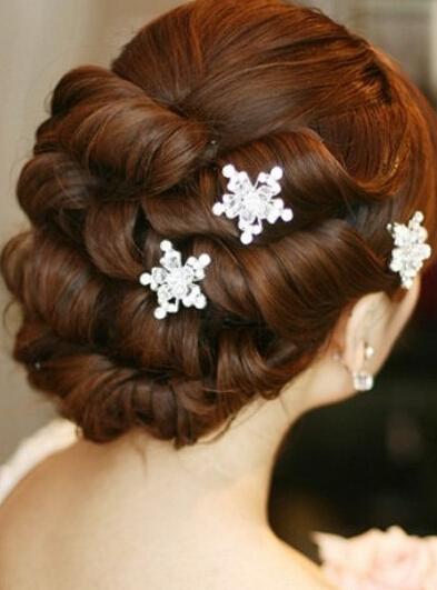 俏皮可爱晚宴发型,小家碧玉旗袍发型,时尚古典旗袍发型)  新娘短发