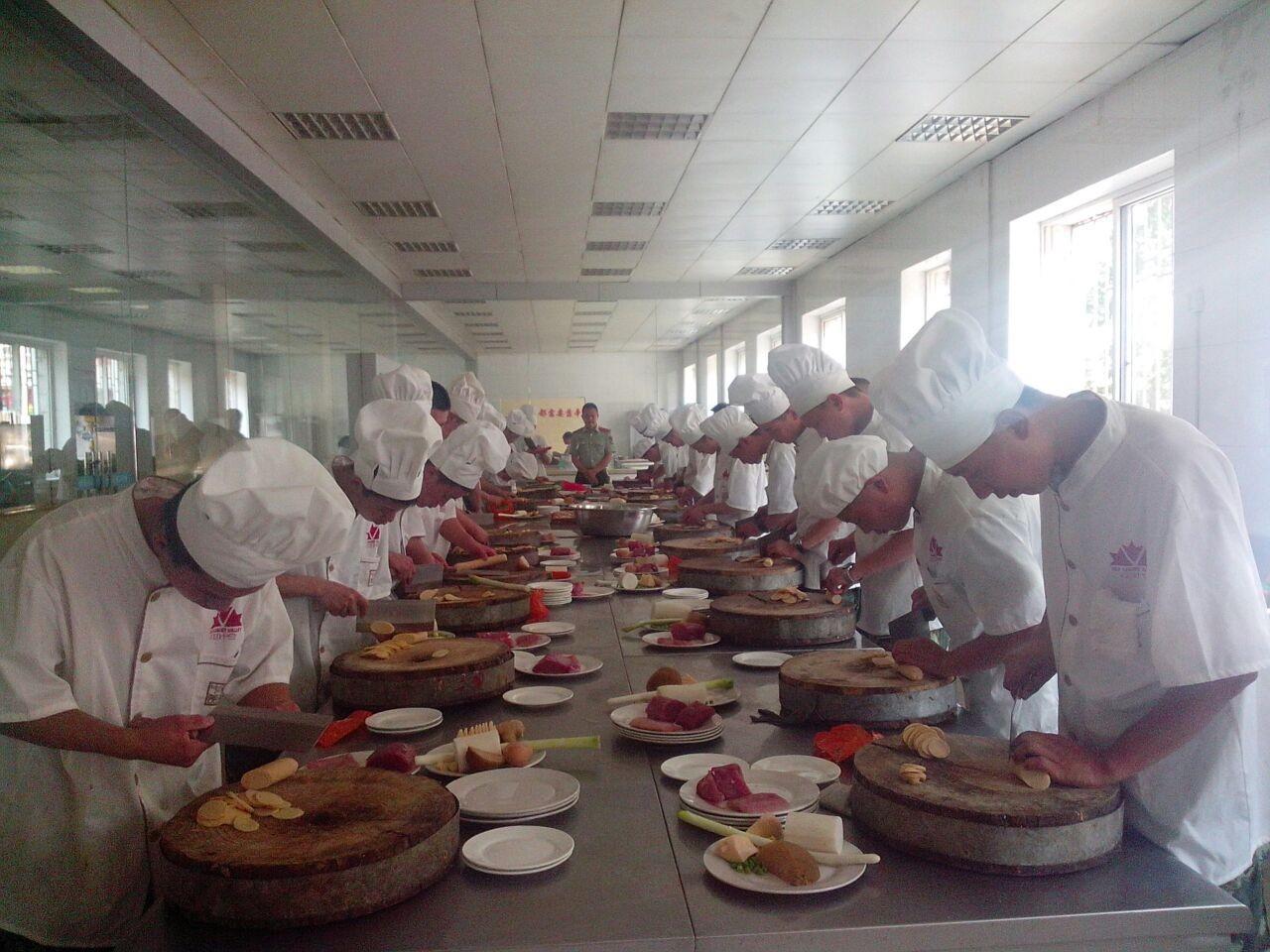 武汉英佳尔饮食创业培训基地,武汉金凌美食学校