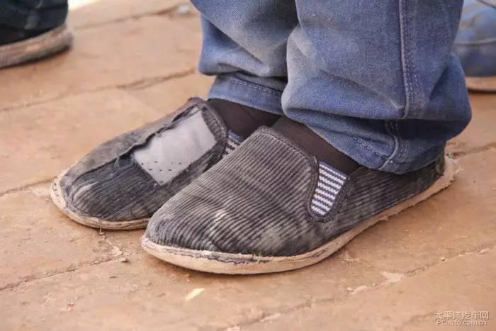 关爱贫困留守儿童,卡儿酷与车友会助力精准扶贫脱贫活动