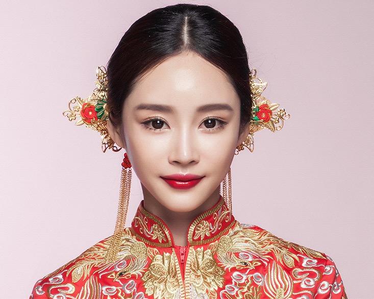 成都中式婚礼新娘中式头饰图片