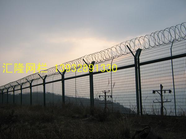山东飞机场护栏网用什么规格的安装最好