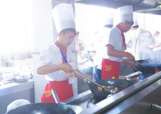 黑龙江省双鸭山市考不上大学怎么办-哈尔滨新