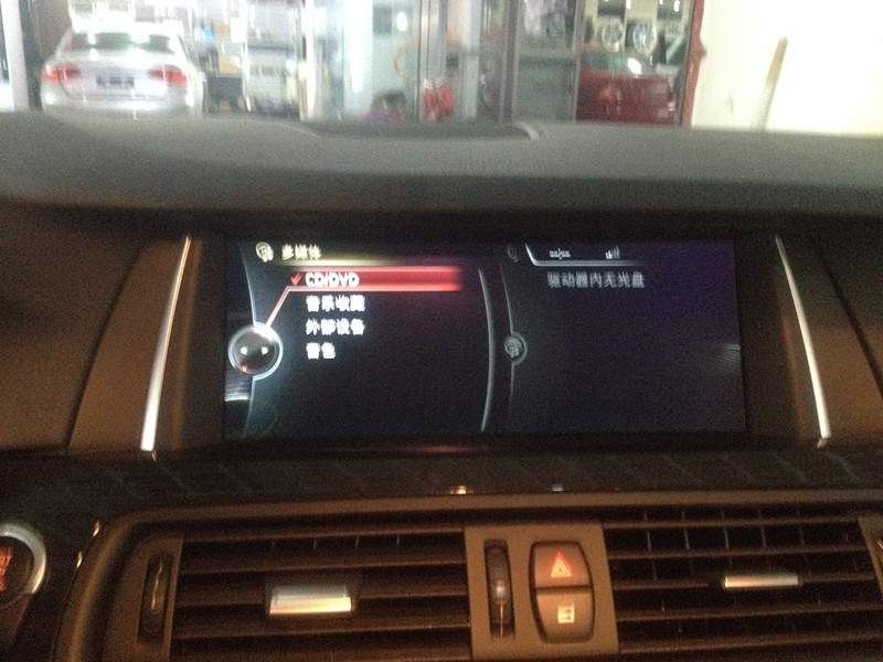 杭州汽车城专业改装BMW宝马原厂NBT大屏 手写旋钮 倒车影像轨迹高清图片