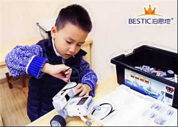 乐高EV3机器人培训班在哪?上海专业的机器人