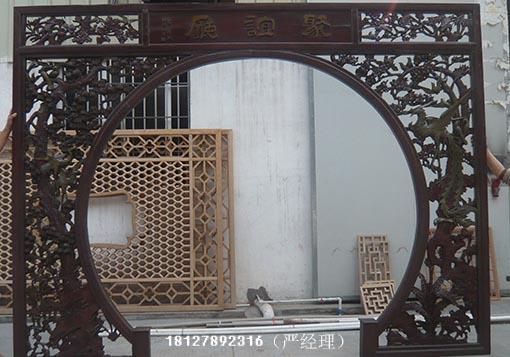 木雕拱门,木制隔断门等木雕花门,中式装修木雕工艺品也成为一种文化和