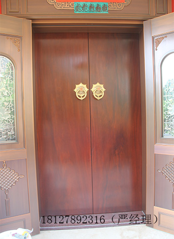 玄关隔断门,中式雕花大门以及中式雕花厨房,房间门等等都属于中式仿古