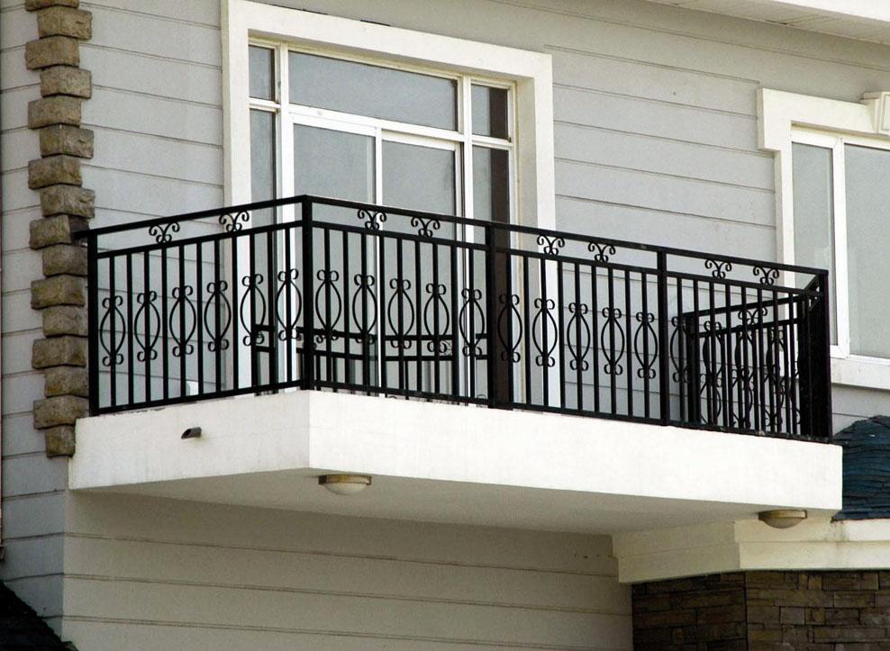 衢州市锌钢阳台护栏的几大特点