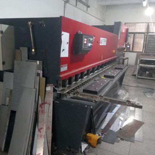 新型4米剪板机