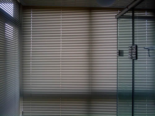 厂家供应防水铝合金百叶窗规格尺寸合理
