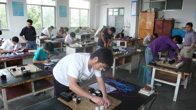 四川联合经济专修学院 机械设计与制造专业 机电一体化技术专业介绍图片