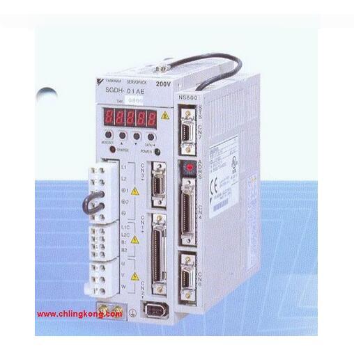 品牌: 安川 产品名称: 高性能伺服驱动器 型号: SGDH-A5 AE 类型:SGDH型驱动器。 容量:50W。 电压:单相200V。 模式:转矩、速度、位置。 采用伺服驱动器电动机互馈对拖的测试平台。 采用可调模拟负载的测试平台。 采用有执行电机而没有负载的测试平台。 采用执行电机拖动固有负载的测试平台。 采用在线测试方法的测试平台。 分别是被测伺服驱动器电动机系统、系统固有负载及上位机。 上位机将速度指令信号发送给伺服驱动器,伺服系统按照指令开始运行。 在运行过程中,上位机和数据采集电路采集伺服