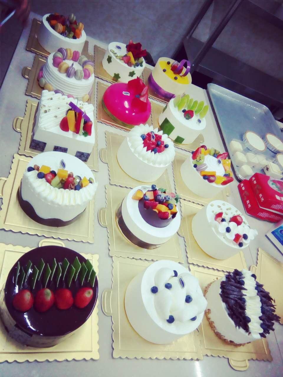 西点烘焙糕点学校,王森蛋糕烘焙学校,面包蛋糕芝士班