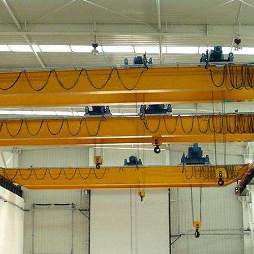 00 元/台液压式抓斗本身装有开合结构,一般用液压油缸驱动,由多个颚板