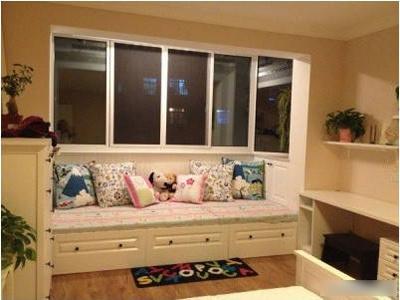 地中海风格卧室弧形飘窗设计图