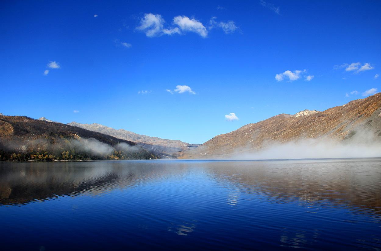 日瓦的风景也很醉人. 去川藏线旅游有哪些景点可以去?