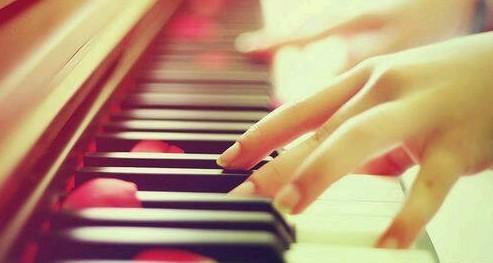 成人如何快速学习弹钢琴?
