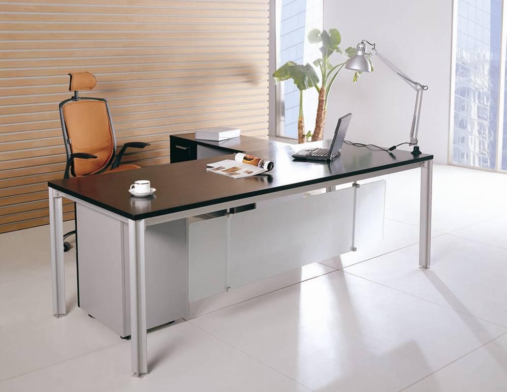 办公桌场景手绘