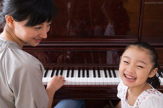 他们知道如何更好的帮助孩子学习钢琴.