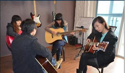 儿童吉他_成人吉他