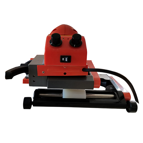 TH520焊缝居中型爬焊机