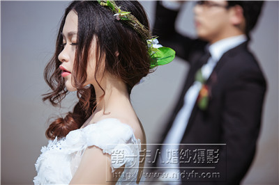 这样才能在拍摄结婚照时神采奕奕,展示出自己最美的那一面.如何