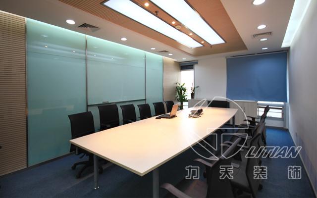 南京大型企业办公室装潢设计图片