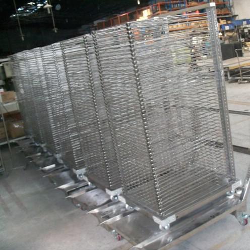 河南郑州不锈钢衣柜生产厂家-卓帝科技诚信立足欢迎对比
