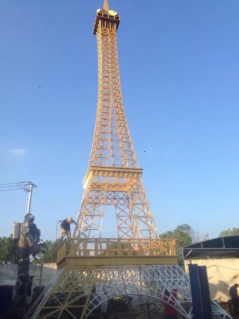 展品便是埃菲尔铁塔