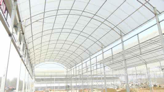 一般钢结构温室使用寿命在15年以上.
