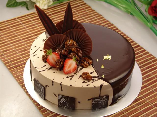 d),小熊蛋糕(卡通蛋糕)  9,实战课:巧克力淋面蛋糕,蕾丝围边蛋糕(欧式